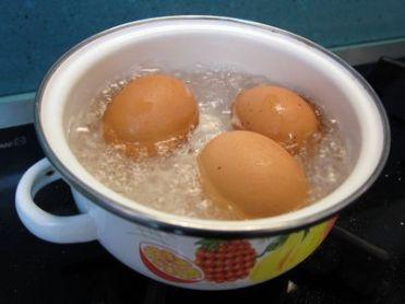 Huevos al calderete
