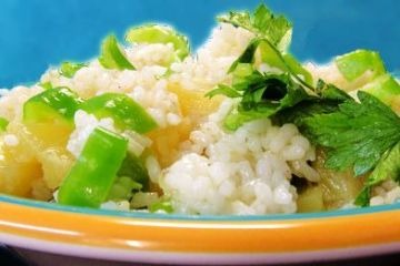 Ensalada hawaiiana de arroz