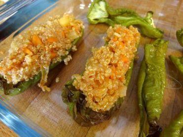 Pimientos verdes rellenos de quinoa con verduritas 11