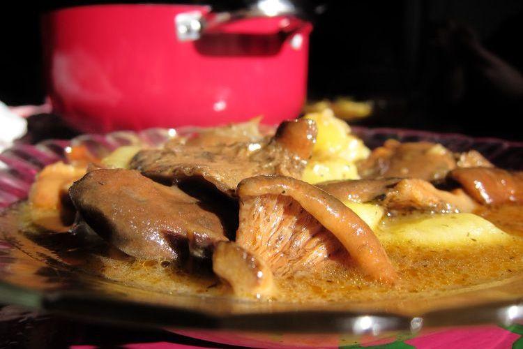 Niscalos con patatas a la cazuela