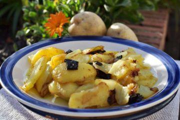 Patatas a lo pobre (con pimientos)