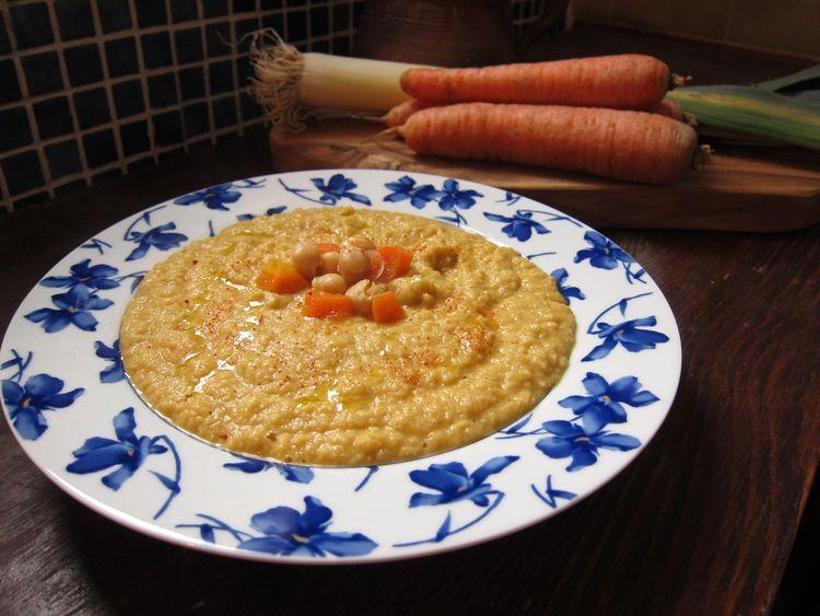Crema de garbanzos y zanahoria