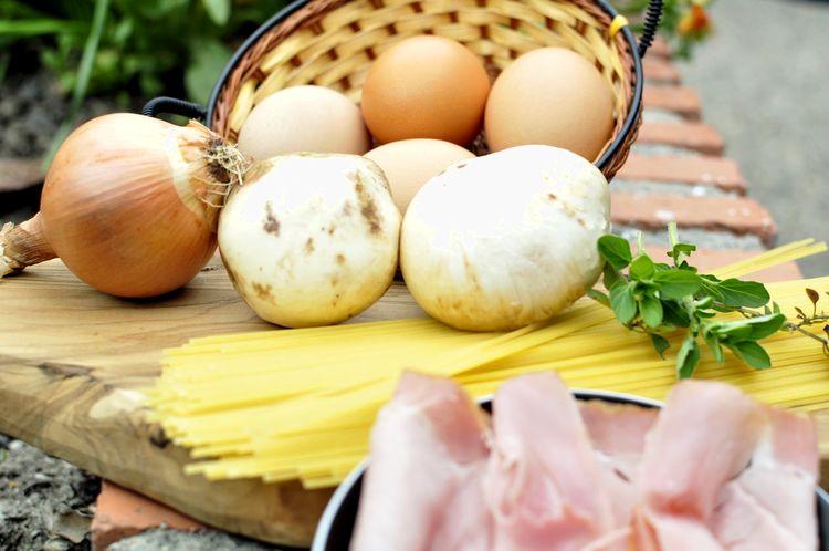 tortilla-de-spaghetti-champiñones-jamón-cocido-01