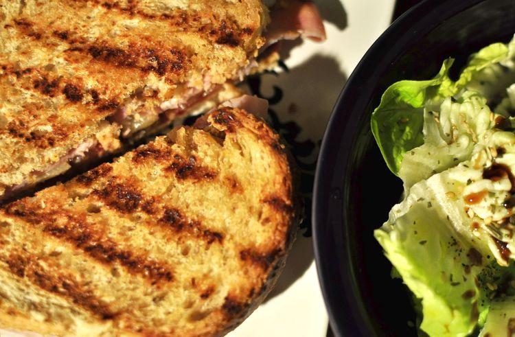 sandwich-jamon-cocido-emmental-kumato-11