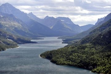 canada-16-waterton-lakes-01