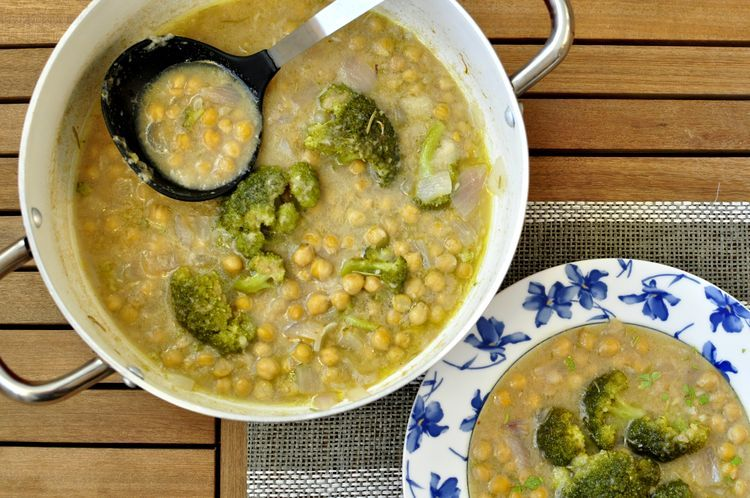 potaje de garbanzos con brócoli