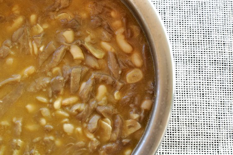 alubias blancas con setas en salsa de soja