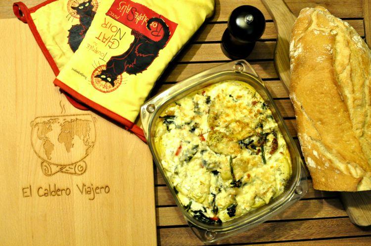 gratinado de alcachofas, espinacas y queso feta