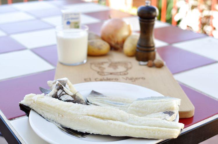 Bacalao con nata portugués (bacalhau com natas)