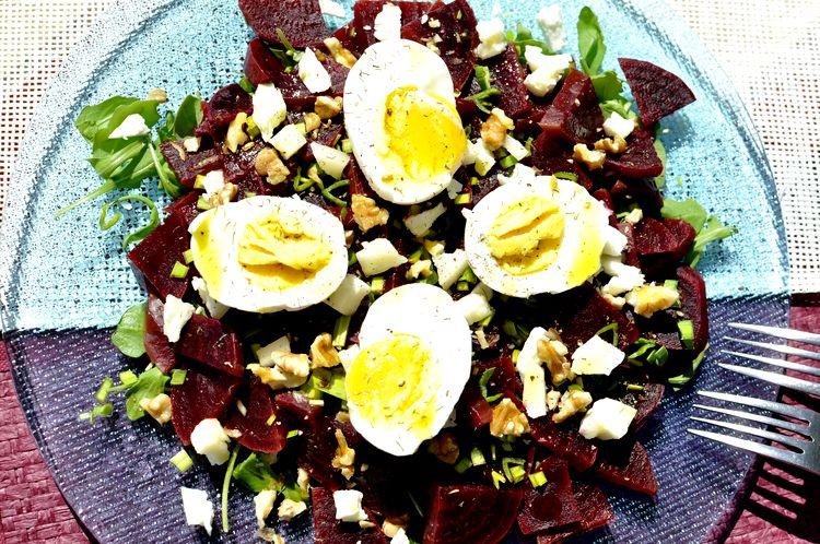 ensalada de remolacha y huevo