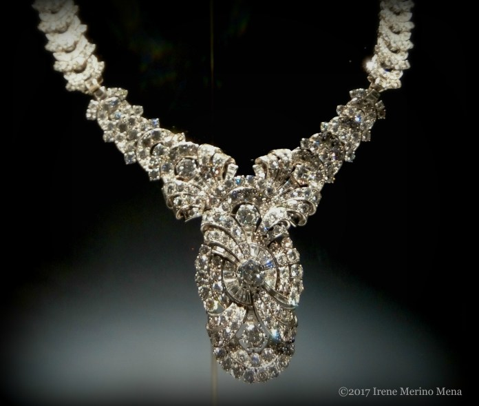 foto-1-collar-convertible-de-platino-con-diamantes-1938-coleccion-heritage-de-bulgari-roma-fotografia-irene-merino-mena-_
