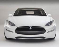 Tesla назвали важнейшей автокомпанией в мире