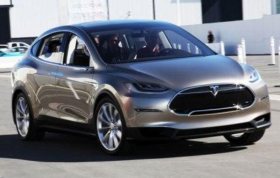 Tesla Model X обрастает подробностями