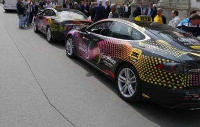 Tesla Model S в Венском такси
