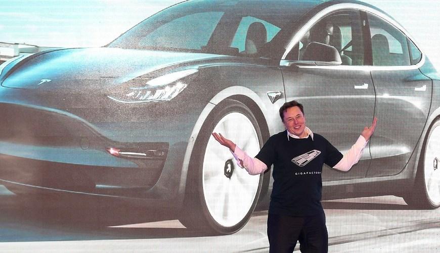 Tesla Model 3 —  найпопулярніше авто у Великобританії