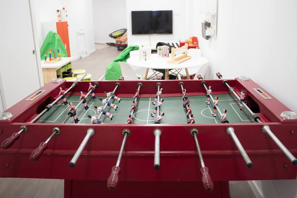 sala de jocs amb vistes desde el futbolí.