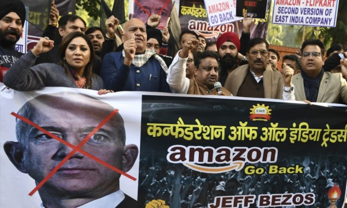 Protestas contra Jeff Bezos en India