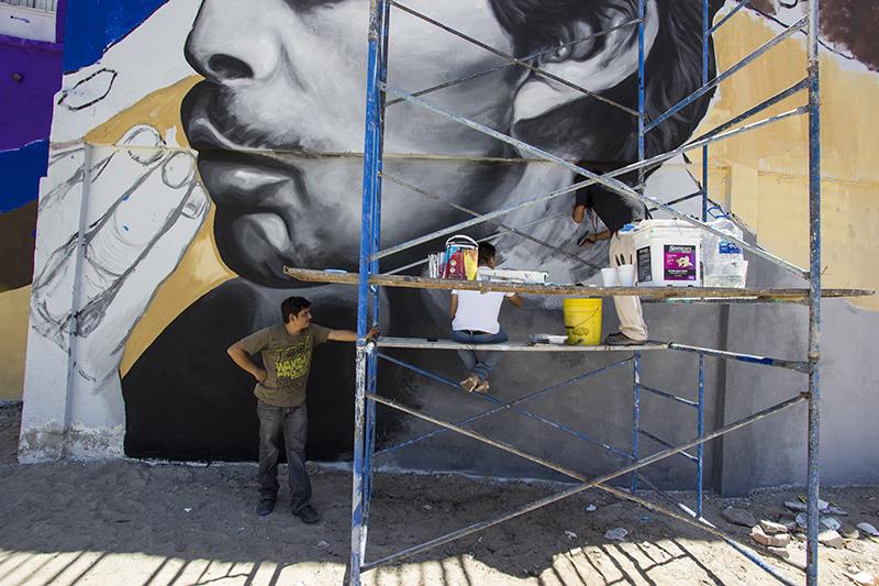 muralists at work
