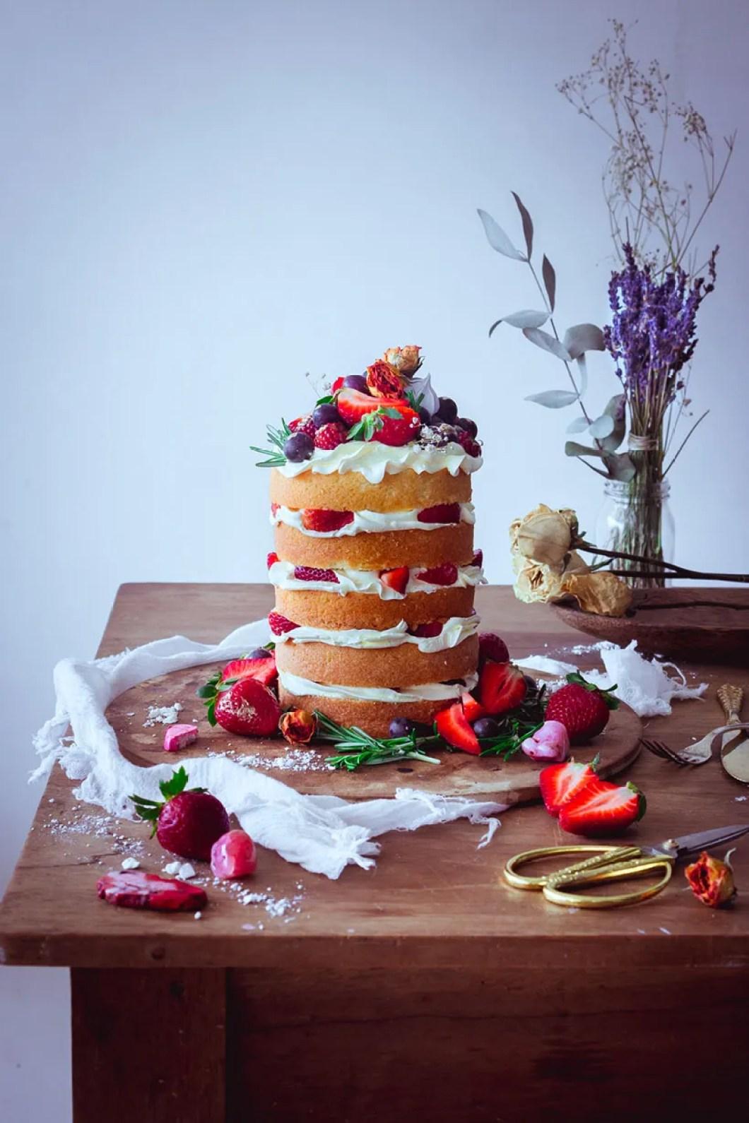 strawberry naked cake _00
