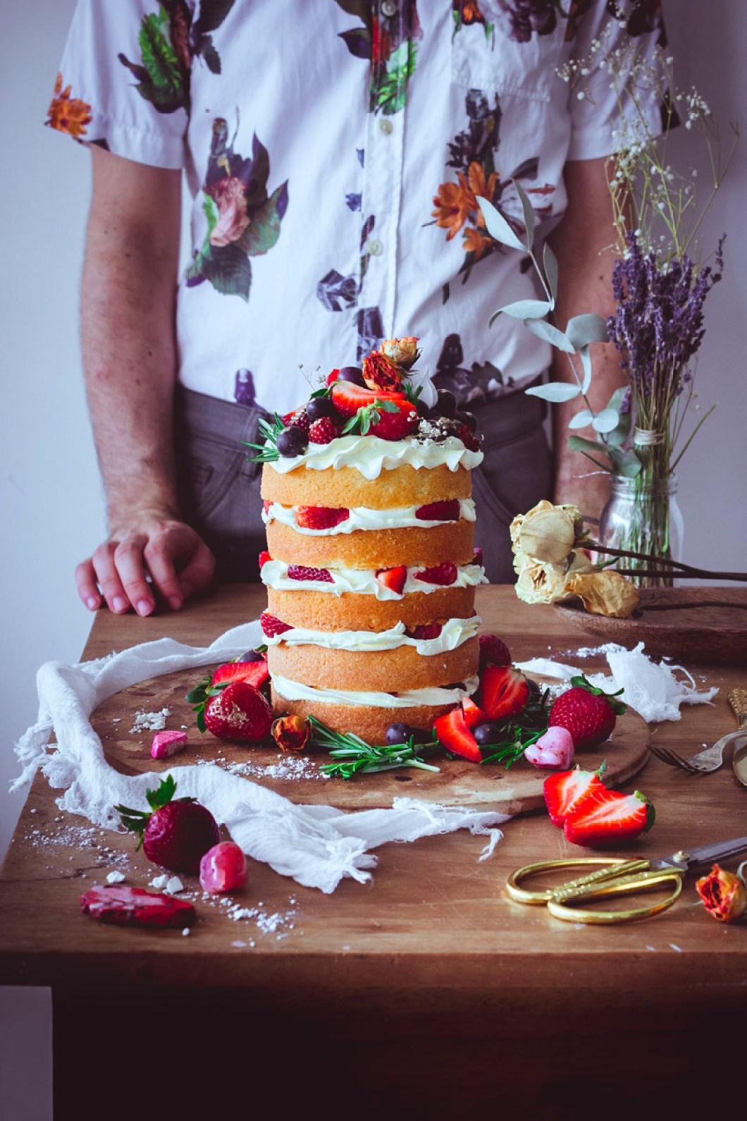 strawberry naked cake _04