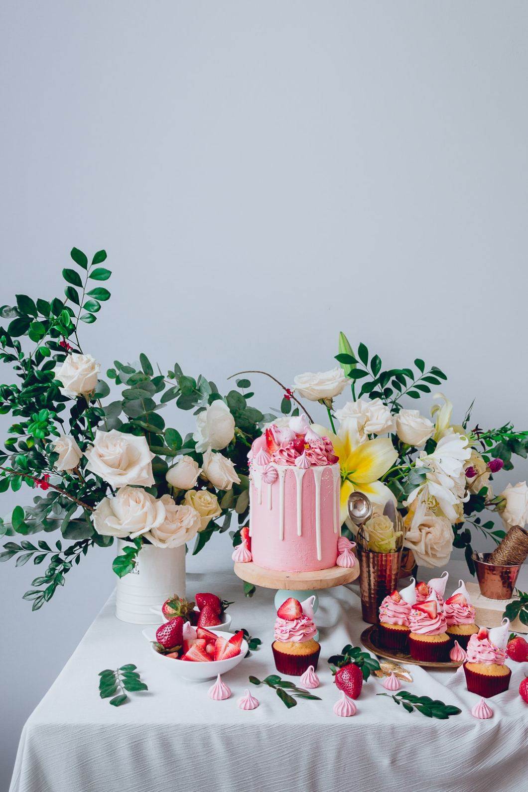 pink_strawberry_cake_-4039
