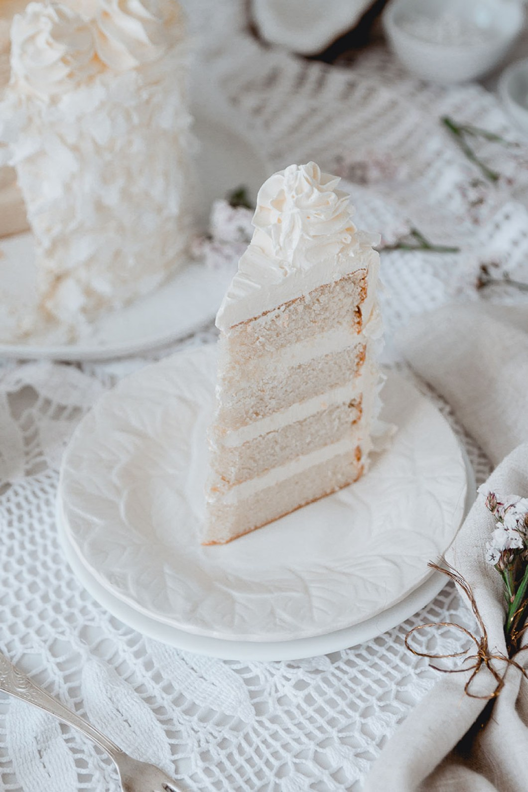 white_coconut_cake_-7520