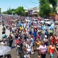 Mendoza: histórica marcha en defensa del agua y contra la megaminería llegó hoy a Casa de Gobierno
