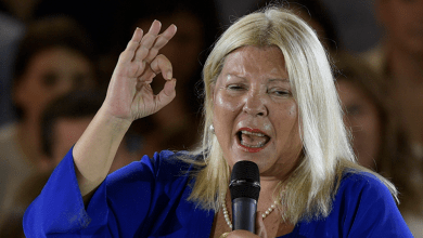 Photo of Carrió: «recemos hasta el lunes»