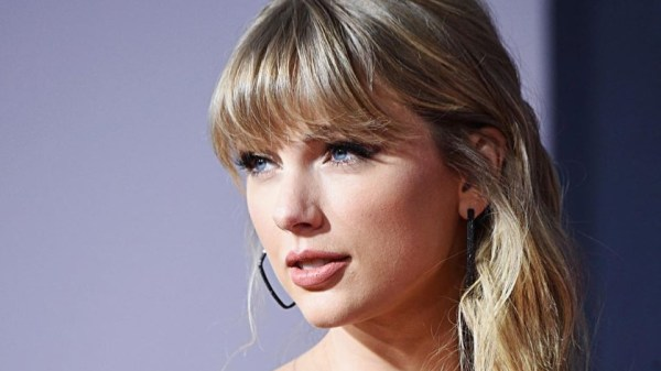 Taylor Swift amenaza con no reelegir al actual presidente de Estados Unidos