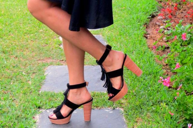 Hace Su creadora una un poco diseñadora BLANCO de con se zapatos preocupado por ella HUMA concepto conocí de nueva Crocco Adriana ha la marca todo detrás rTrwaE