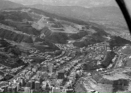 Vista aerea de la construcción de Colinas de Bello Monte