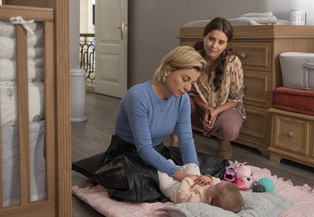 Una comedia sobre bebés cambiadas al nacer que redefine lo que significa una familia. Disfruta ver cómo crece la relación entre Mariana y Ana mientras se enfrentan al constante desafío de ser madres. (Foto: Netflix)