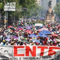 Maestros bloquean más de un centenar de trenes en México