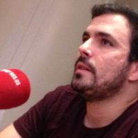 """Alberto Garzón tacha de """"enorme cacicada"""" la exclusión de Otegi de las elecciones vascas"""