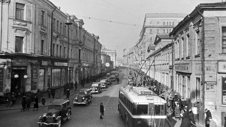 La calle Gorki (ahora Tverskaia) durante los tiempos soviéticos