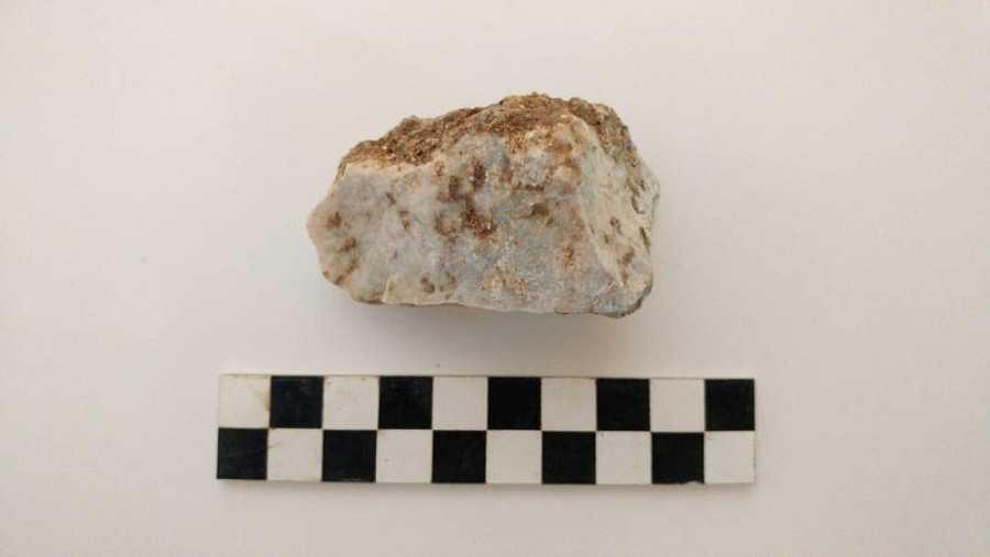 Piedra hallada en la boca del 'niño vampiro'