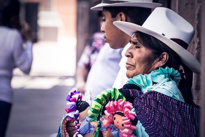 Según el Banco Mundial, los pueblos indígenas representan el 8% de la población de América Latina, pero cerca del 14% de los pobres y el 17% de los extremadamente pobres