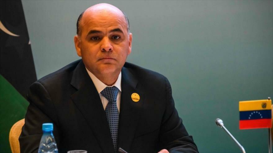 Venezuela desviará su crudo de EEUU a Rusia en reacción a embargos