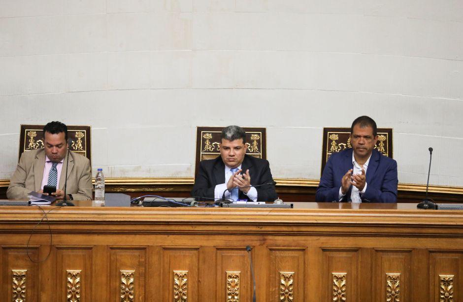 Luis Parra, Franklyn Duarte y José Noriega presiden la sesión de la Asamblea Nacional de Venezuela del 7 de enero de 2020