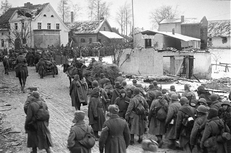 Soldados del Ejército Rojo después de la batalla de Königsberg