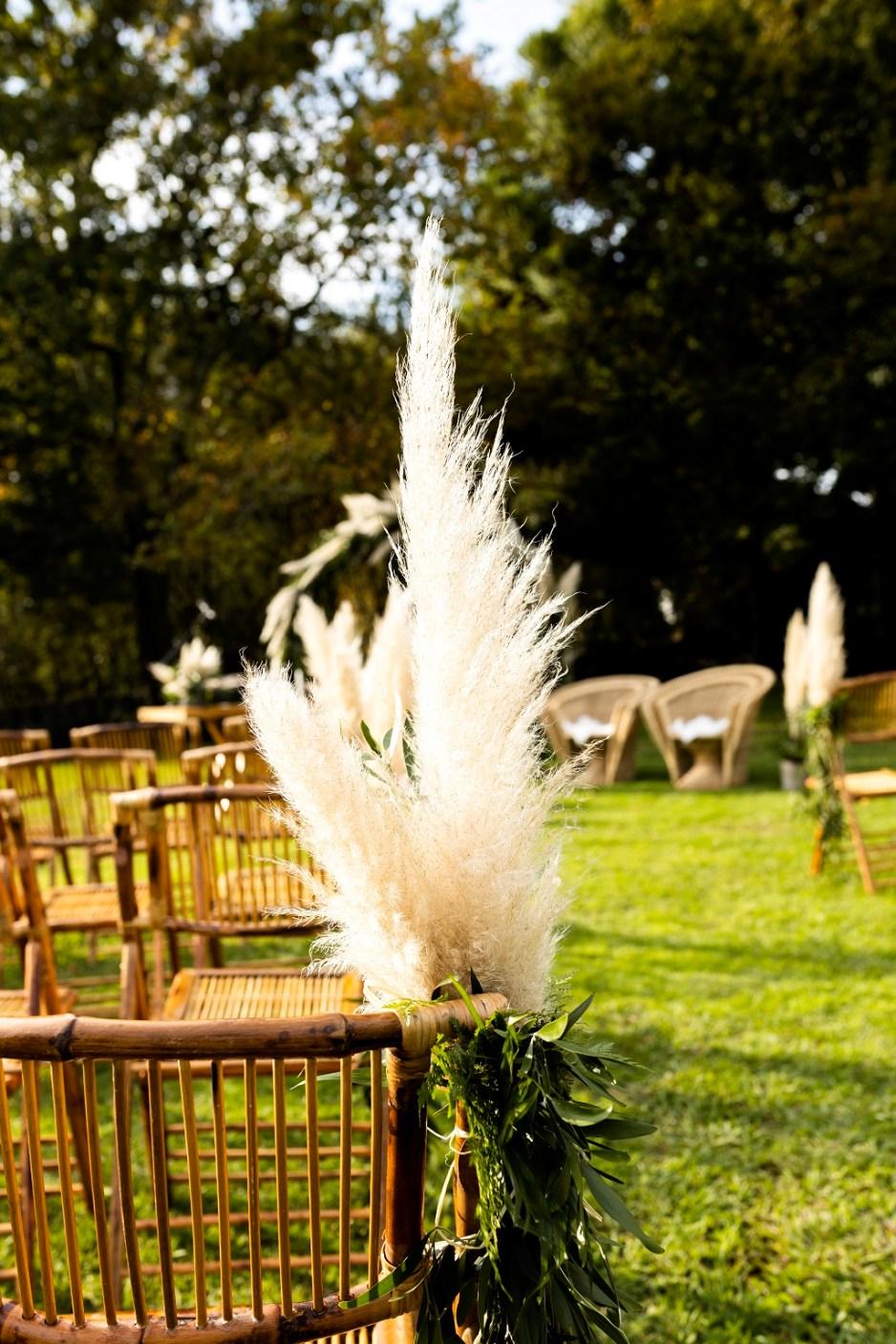 Detalle ceremonia civil - Una boda con plumeros