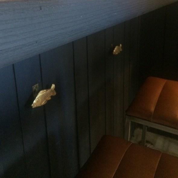jaladeras para cajones con forma de carpa