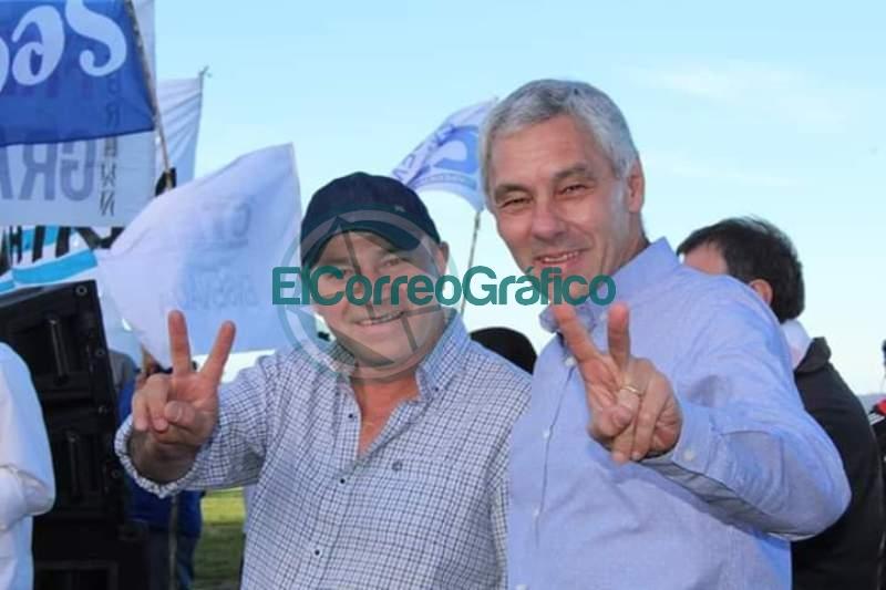 Cagliardi con sus militantes salen a bancar a Secco tras saber la baja del CUD para Ensenada