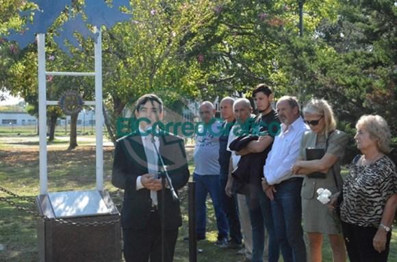 Homenaje del Rotary Club de Berisso a los Héroes de Malvinas 04
