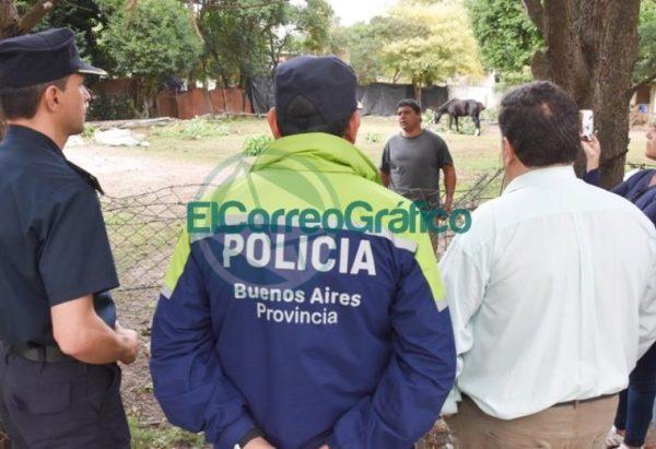 Nedela paseó por El Carmen junto a los comisarios locales 09