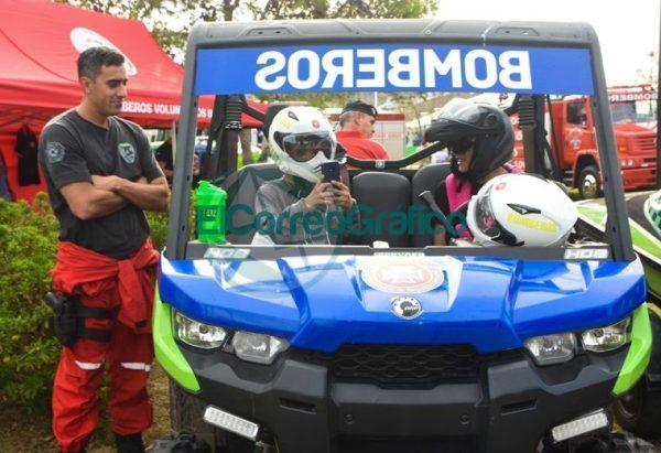 La Policía Bonaerense presentó su Muestra Itinerante en Berisso 7