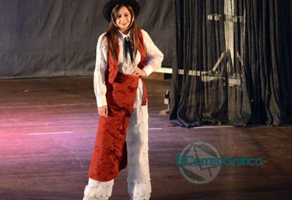 Se presentaron las 20 Representantes Culturales de la Colectividades 06