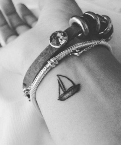 Las Mejores Ideas De Tatuajes Pequeños Para Mujeres Y Hombres