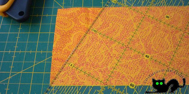 Cortamos el primer lado del triángulo equilátero