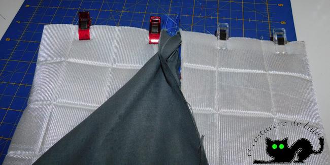 Colocamos de nuevo las telas para coser